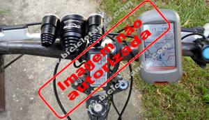 imagem do guiador da bicicleta com o gps dacota 20